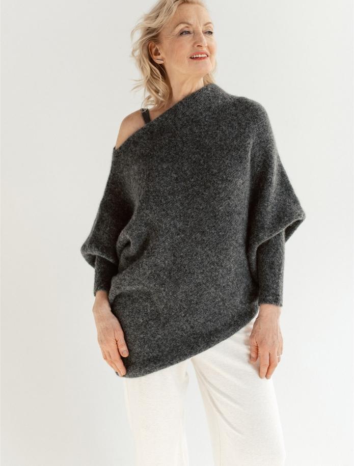 Asimetriskais alpakas džemperis. Attēls Nr. 2