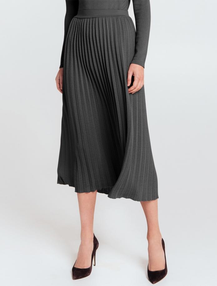 Mid length gofra merino wool skirt with narrow Belt. Photo Nr. 2