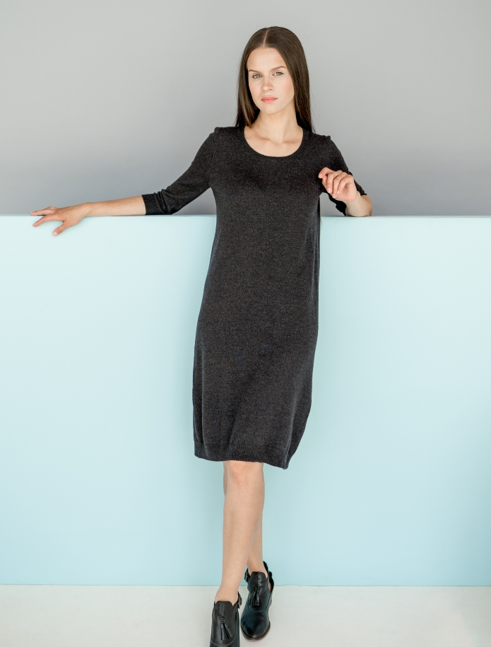 Merino wool dress with 3/4 length sleeves. Photo Nr. 1