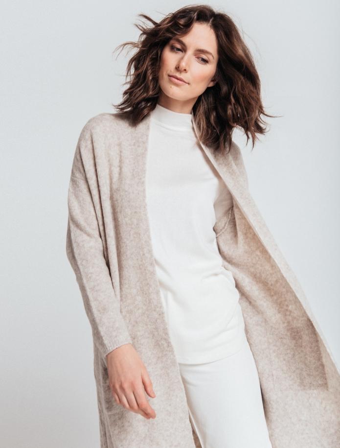 Merino wool mid length cardigan with pockets. Photo Nr. 3