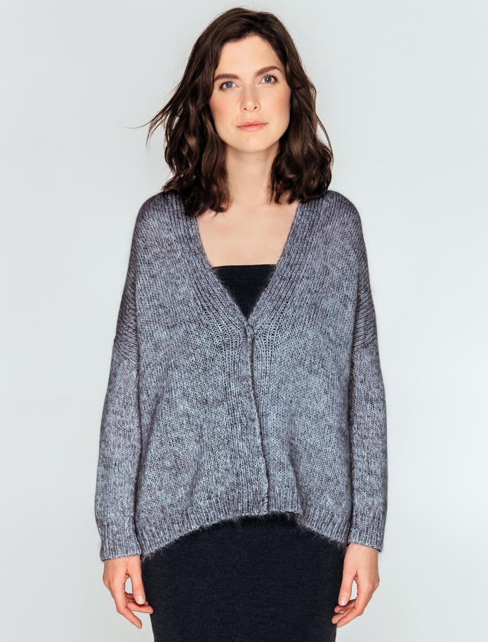 Short oversized cardigan from mohair, merino wool and silk blend. Photo Nr. 2