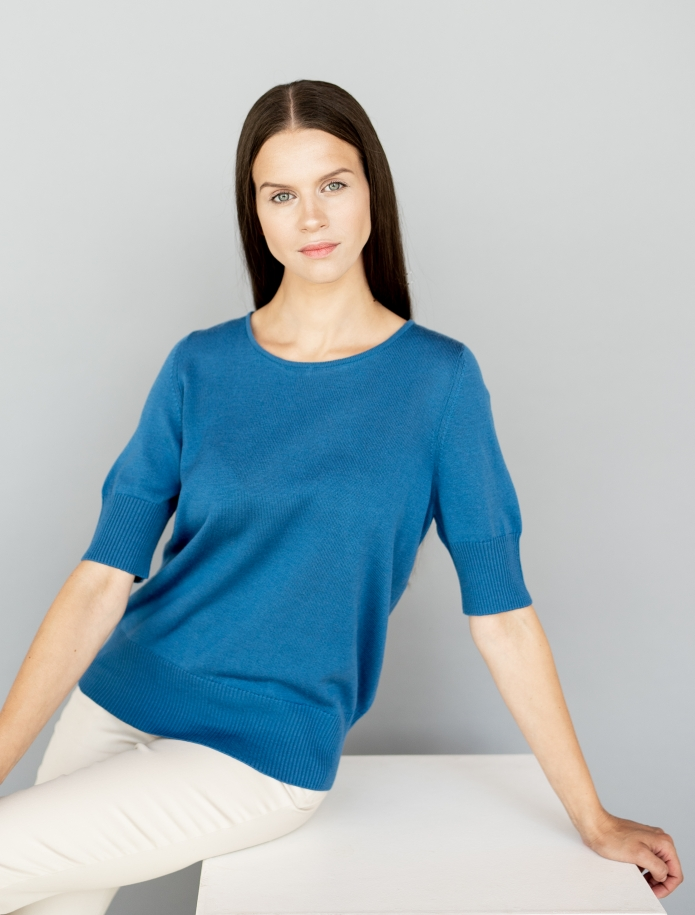 Merino knitted short sleeve sweater. Photo Nr. 13