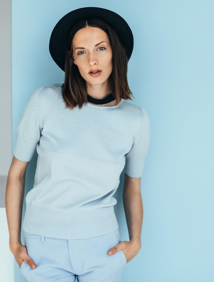 Merino knitted short sleeve sweater. Photo Nr. 2