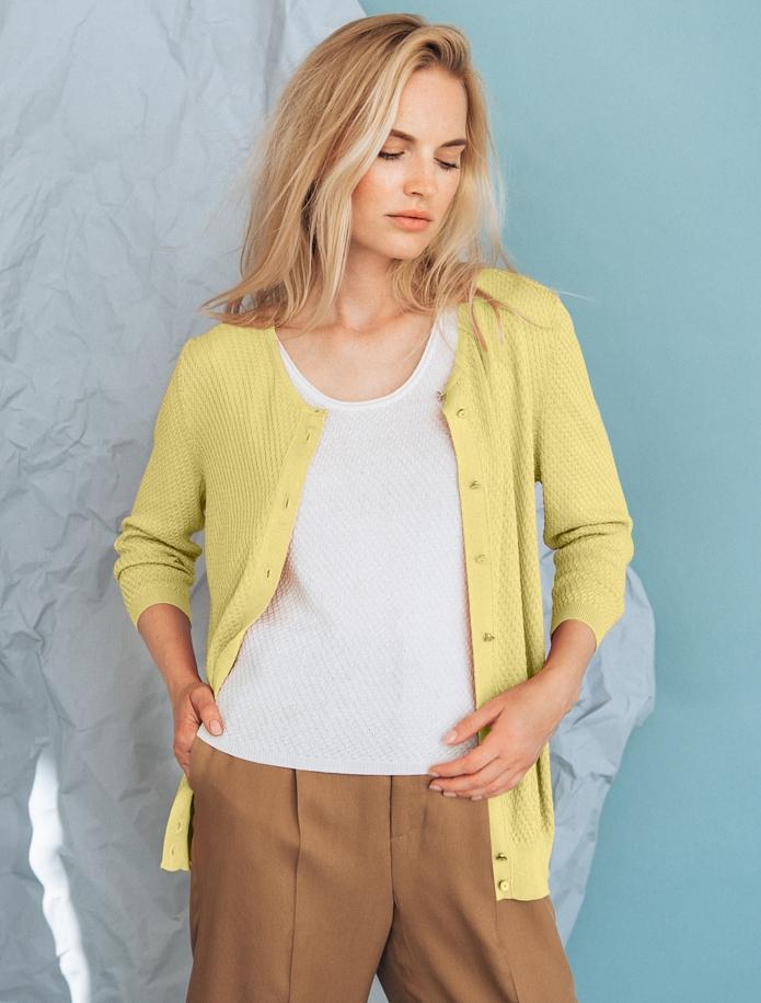Rīsu raksta jaka ar pusgarām piedurknēm un pogām. Attēls Nr. 8